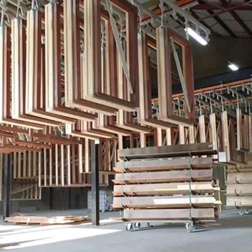 Toelevering spuiterij kozijnen hout2